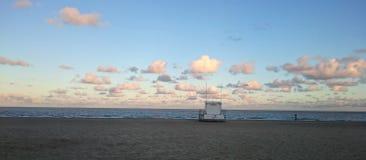 La puesta del sol se nubla Lowestoft, Suffolk Fotos de archivo libres de regalías
