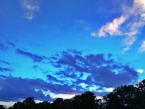 La puesta del sol se nubla la silueta del cielo en Tailandia del norte Fotografía de archivo libre de regalías