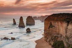 La puesta del sol sobre los 12 apóstoles icónicos vira Campbell hacia el lado de babor Victoria Australia en 2010 Fotografía de archivo libre de regalías