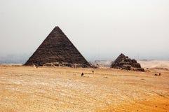La pyramide de Khafre, le Caire, Egypte - vue de touristes Images libres de droits