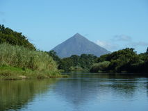 La pyramide de Walsh, rivière de Mulgrave Photos libres de droits