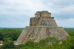 La pyramide du magicien image libre de droits