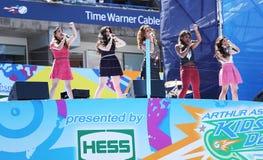 La quinta armonía del grupo americano de la muchacha se realiza en Arthur Ashe Kids Day 2013 en Billie Jean King National Tennis C Fotos de archivo libres de regalías