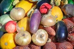 La récolte végétale est vendue à la foire photographie stock