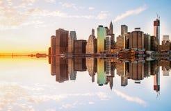 La réflexion de Manhattan Photographie stock