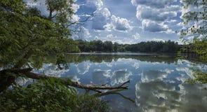 La réflexion sur la rivière Chattahoochee photos libres de droits