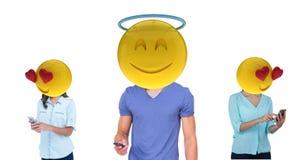 La réunion de garçon avec deux filles Emoji font face Photos stock