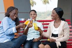 La Réunion des jeunes femmes photo libre de droits