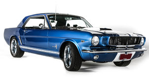 La 1ra generación 1965 de Ford Mustang aisló el tiro blanco del estudio del fondo Foto de archivo