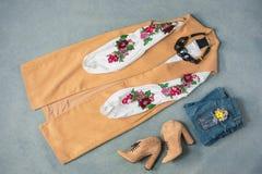 La raccolta dei vestiti eleganti Immagine Stock