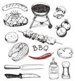 La raccolta del barbecue scarabocchia, oggetti differenti: bevande, alimento, carne e verdure, strumenti e strumenti differenti,  illustrazione vettoriale