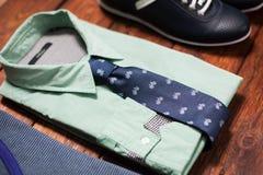 La raccolta dell'uomo dei vestiti nello stile casuale Immagini Stock Libere da Diritti