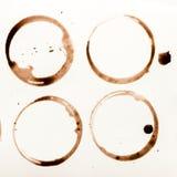 La raccolta della tazza di caffè asciutta macchia su fondo bianco Fotografie Stock