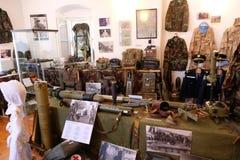 La raccolta delle armi e delle attrezzature utilizzate durante la guerra per indipendenza croata, Pakrac Fotografia Stock Libera da Diritti