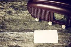 La radio vieja y la foto vieja vacía Fotografía de archivo libre de regalías