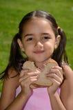 La ragazza è un buon mangiatore Immagini Stock Libere da Diritti