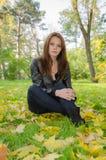 La ragazza - autunno. Fotografia Stock