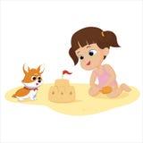 La ragazza che gioca sulla spiaggia con il vostro cane Immagini Stock Libere da Diritti