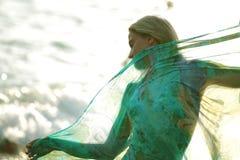 La ragazza con una sciarpa Fotografia Stock Libera da Diritti