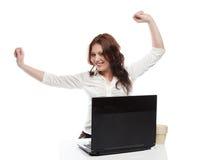 La ragazza di affari gode del lavoro con successo fatto Immagine Stock Libera da Diritti