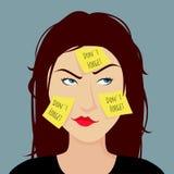 La ragazza dimentica ha attaccato un autoadesivo giallo sul fronte. Fotografia Stock Libera da Diritti