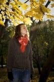 La ragazza esala la nube del vapore Fotografie Stock