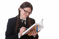 La ragazza legge Fotografie Stock Libere da Diritti