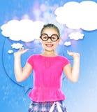 La ragazza prende le gocce di pioggia, fondo astratto Fotografia Stock Libera da Diritti