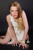 La ragazza sfavorevole con i capelli giusti lunghi Immagine Stock Libera da Diritti