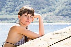 La ragazza sul fiume Fotografia Stock Libera da Diritti