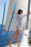 La ragazza sull'yacht Fotografie Stock Libere da Diritti