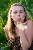 La ragazza sulla natura Immagine Stock