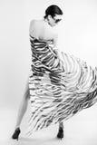 La ragazza in un lenzuolo Fotografie Stock Libere da Diritti