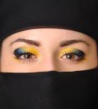 La ragazza in un yashmak nero Fotografia Stock Libera da Diritti