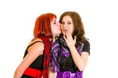 La ragazza vuole baciare la sua bella amica Fotografia Stock Libera da Diritti