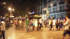 La Rambla in avond Barcelona stock videobeelden