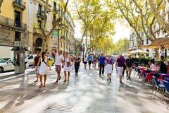La Rambla på September 21, 2012 i Barcelona, Spanien. Tusentals Royaltyfri Fotografi