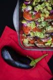 La ratatouille del piatto in un piatto trasparente sulla a Immagini Stock Libere da Diritti