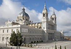 La Real DE La Almudena kathedraal van Madrid - van Santa Maria stock fotografie