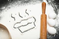 La receta para hacer una torta hecha en casa o la torta fotos de archivo