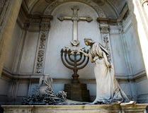 La Recoleta公墓-妇女雕象 免版税库存图片