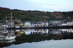 La reflexión crepuscular del puerto Fotografía de archivo