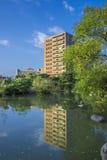 La reflexión del edificio de la BIOTECNOLOGÍA de NTU Imagenes de archivo