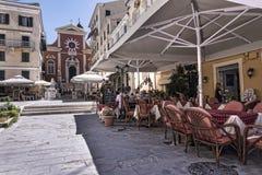 La regione di porto di Corfù nella città principale accoglie favorevolmente le fodere di crociera Fotografia Stock