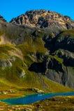 La regione selvaggia di Colorado del bacino del lago ice alza il lago verticalmente turquoise Immagine Stock