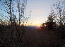 La regolazione del sole sopra Great Smoky Mountains della Nord Carolina fotografia stock