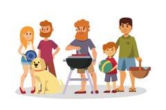 La regolazione di picnic con le coppie di riposo del barbecue del canestro del paniere di alimento fresco ed il pasto dell'estate Fotografia Stock Libera da Diritti