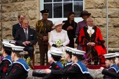 La reina y el príncipe Philip visitan Merthyr Tydfil, el Sur de Gales, Reino Unido fotografía de archivo libre de regalías