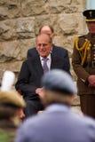 La reina y el príncipe Philip visitan Merthyr Tydfil, el Sur de Gales, Reino Unido fotos de archivo
