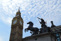 La Reine Boudica de la tribu d'Iceni et du Big Ben, Londres, R-U, Angleterre Image stock